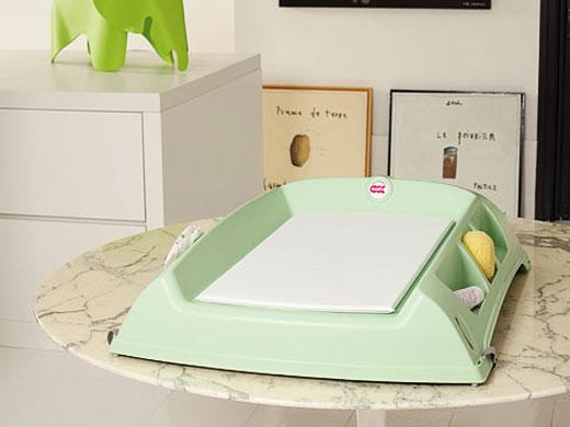 Пеленальный столик для детской комнаты новорождённого