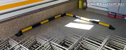 Армированная бетонная стяжка пола в гараже