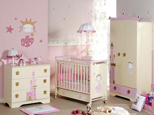 Комод или шкаф для детской комнаты