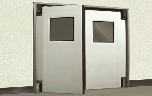 Качающиеся двери