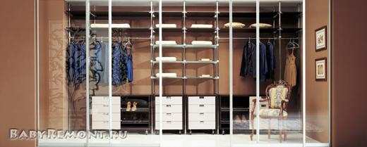 Преимущества использования гардеробной комнаты в домах и квартирах