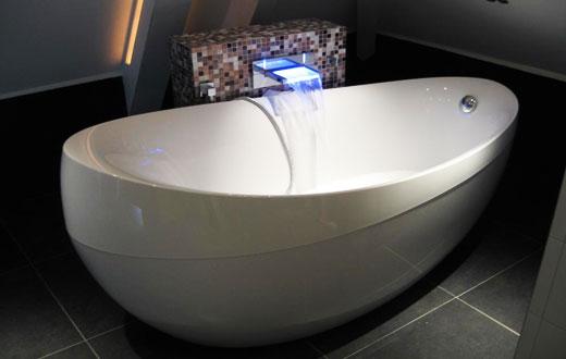 Куариловая ванна для ванной комнаты